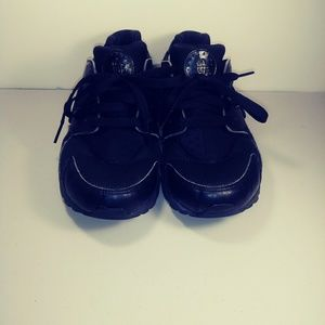 Nike Air Huarache Shoes black youth size 5y